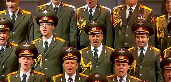 chanteurs du choeur de l'armée rouge