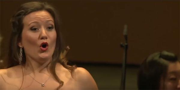 Julia Fuchs, viré de l'Opéra