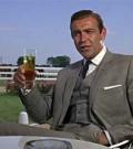 James Bond, Alcool,