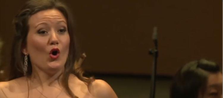 La soprano Julia Fuchs écartée de son rôle de Pamina, car elle est enceinte de 4 mois